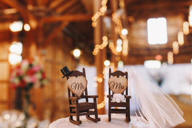 A boldogság vászonképeken-esküvői kiadás